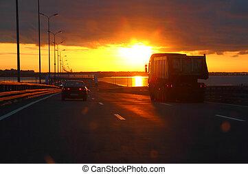 автомобиль, закат солнца, шоссе