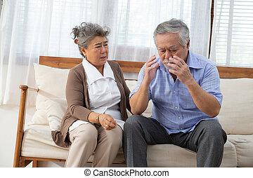 азиатский, страдать, взять, инсульт, пожилой, атака, his, жена, мощный, старейшина, или, головной мозг, инсульт, головная боль, забота