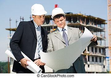 архитектор, работник
