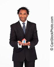 бизнесмен, afro-american, дом, presenting