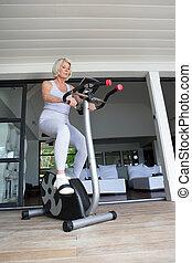 велосипед, старшая, женщина, упражнение