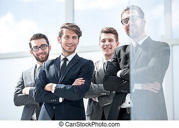 вместе, сотрудников, улыбается, постоянный
