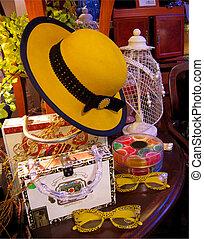 все еще, шапка, желтый, жизнь
