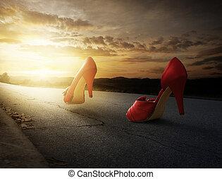 высокая, heels, гулять пешком