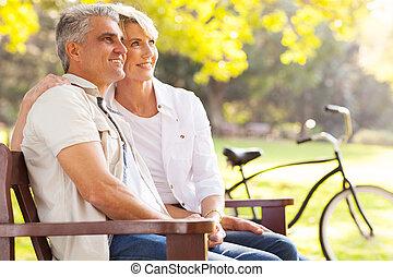 выход на пенсию, пара, середине, элегантный, на открытом воздухе, daydreaming, возраст