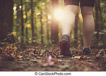 гулять пешком, женщина, через, лес