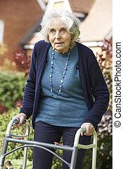 гулять пешком, сад, рамка, женский пол, с помощью, старшая