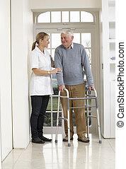 гулять пешком, сиделка, рамка, пожилой, помощь, с помощью, старшая, человек
