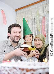 день рождения, семья, мусульманка