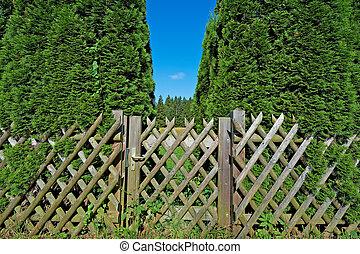 деревянный, ворота