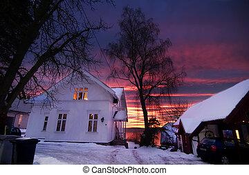 дом, закат солнца