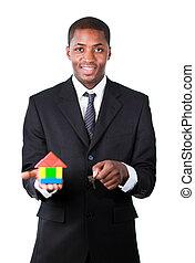 дом, новый, показ, afro-american, строительство, улыбается, камера, бизнесмен