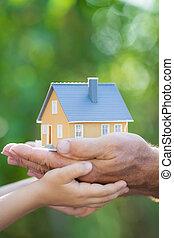 дом, экология, руки