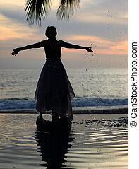 женщина, закат солнца