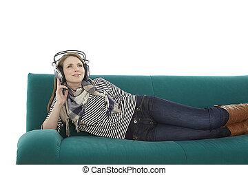 женщина, музыка, прослушивание