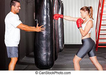 женщина, перфоратор, мешок, фитнес, обучение