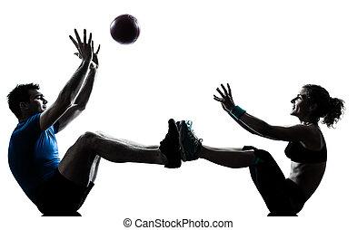 женщина, разрабатывать, tossing, exercising, мяч, фитнес, человек