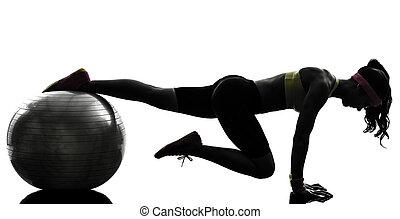 женщина, силуэт, разрабатывать, exercising, фитнес, должность, доска