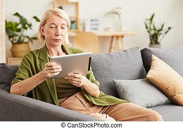 женщина, с помощью, таблетка, pc
