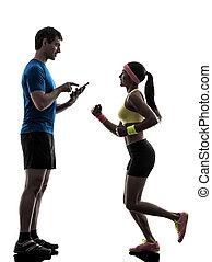 женщина, таблетка, цифровой, тренер, silhoue, человек, с помощью, бег трусцой, exercising