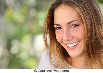 женщина, улыбка, белить, идеально, красивая