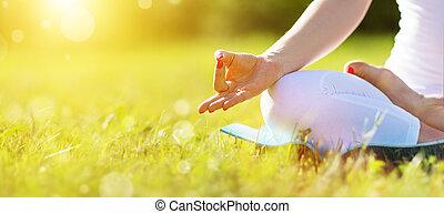 женщина, practicing, лотос, meditating, рука, должность, йога