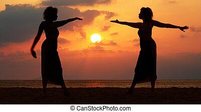 закат солнца, женщины