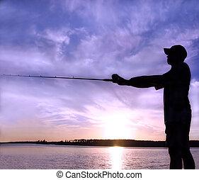 закат солнца, ловит рыбу