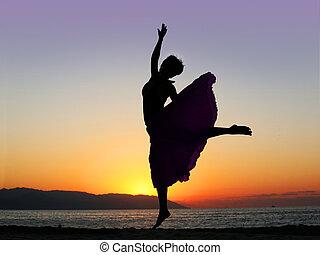 закат солнца, танцы