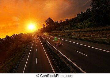 закат солнца, трафик, шоссе