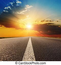 закат солнца, clouds, дорога, асфальт, под