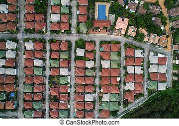 захватить, коричневый, дом, вверх, дерево, крыша, воздух, трутень, лес, деревня, посмотреть