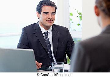 заявитель, менеджер, interviewing, женский пол, молодой