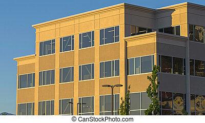 здание, солнечно, против, экстерьер, небо, viewed, синий, коммерческая, день, современное, рамка, панорама