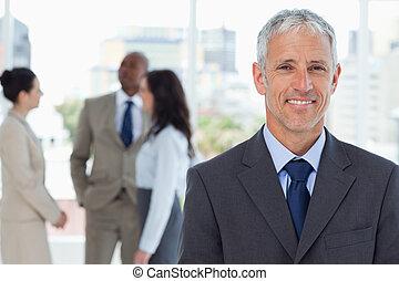зрелый, постоянный, команда, his, менеджер, бизнес, улыбается, фронт