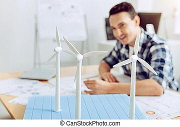 изобретение, являющийся, вдохновенный, молодой, замечательно, инженер