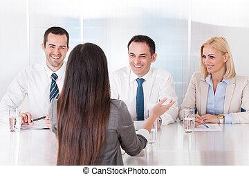 интервью, женщина, бизнес, говорящий