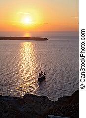корабль, закат солнца, парусный спорт