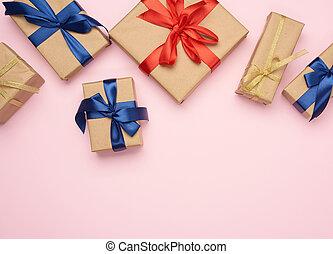 коричневый, tied, бумага, розовый, лук, задний план, подарок, синий, красный, gifts, завернутый, boxes