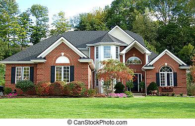 красивая, дом