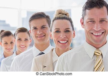 красивый, постоянный, команда, his, улыбается, бизнесмен