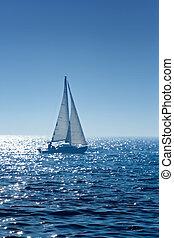 лодка, паруса