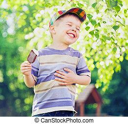 мальчик, принимать пищу, удовлетворенный, лед, маленький, крем