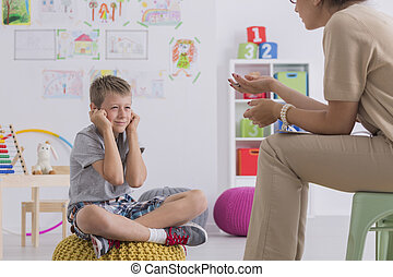 мальчик, сессия, в течение, misbehaving, психотерапевт