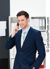 мобильный, бизнесмен, принятие, вызов, стильный