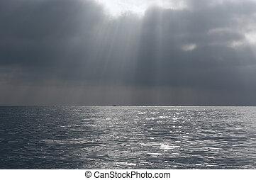 морской пейзаж, драматичный