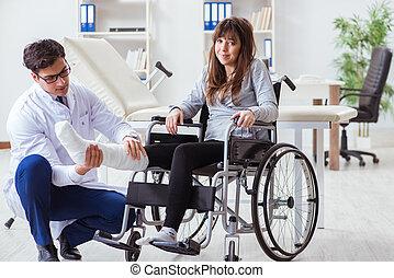 мужской, пациент, женский пол, инвалидная коляска, врач, examining