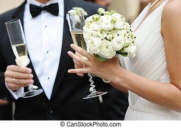 невеста, жених, шампанское, держа, glasses