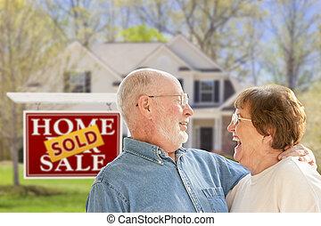 недвижимость, дом, пара, знак, фронт, старшая, продан