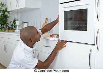новый, примерка, кухня, духовой шкаф, человек